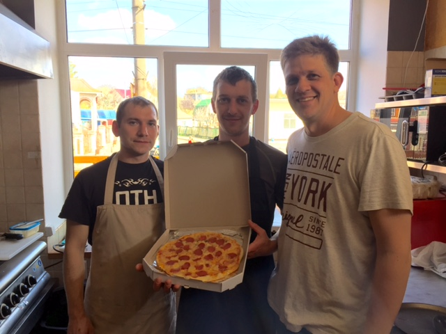 Thank you Vitalik for coming down and showing us some pizza skills. Have some hurdles to overcome on ingredients still. Sorry folks, we are not putting corn on the pizza.