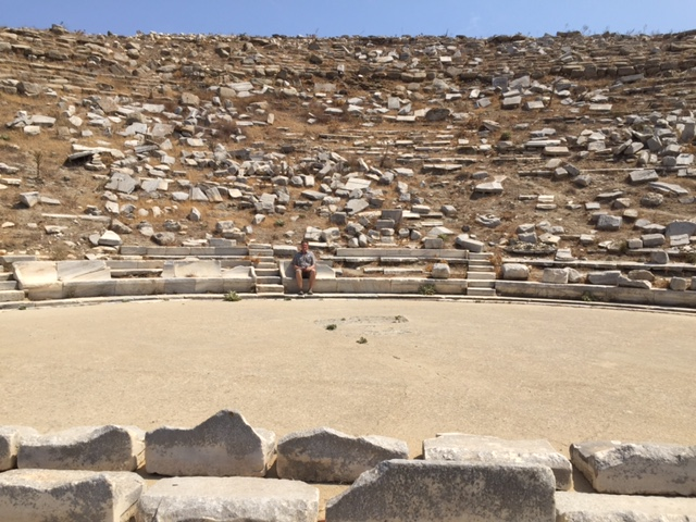 Theater where 5k would gather for entertainment on Delos.